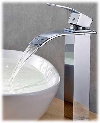 robinet cascade haut pour les vasques fixées